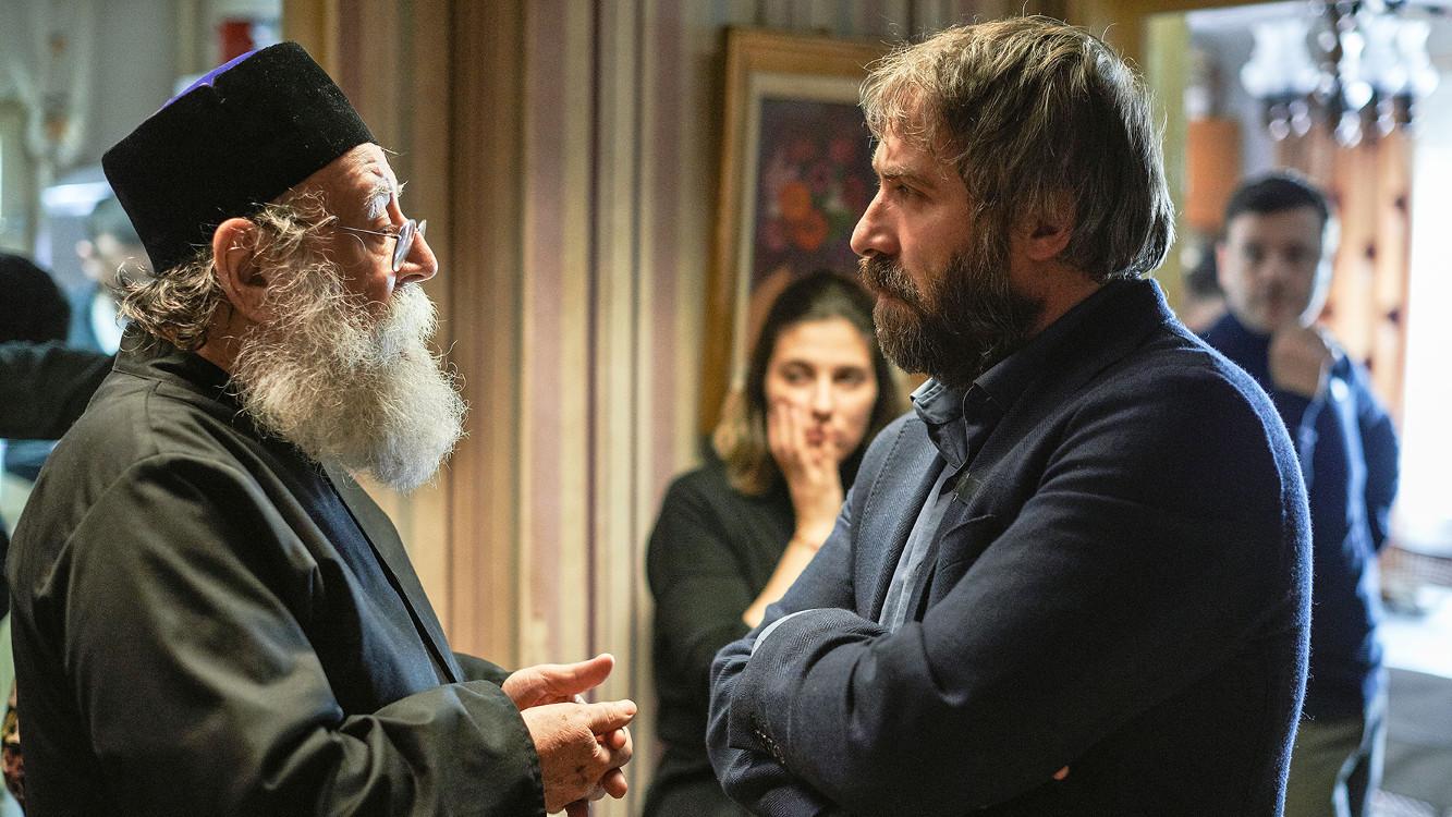 """Rodzina słowem silna – recenzja filmu """"Sieranevada"""""""