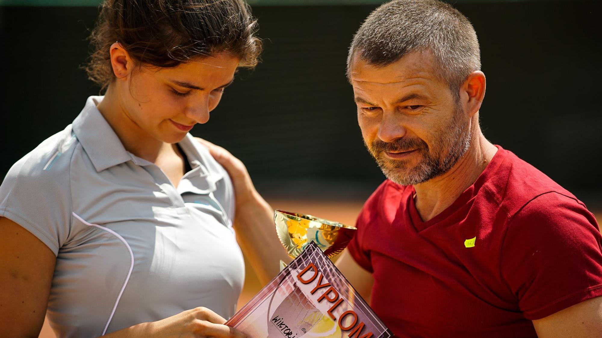 Znalezione obrazy dla zapytania córka trenera