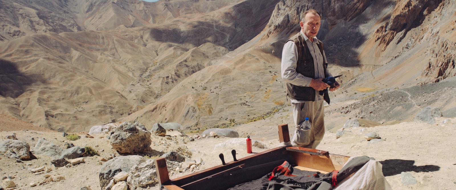 """Współczesny Fitzcarraldo – recenzja filmu """"Stroiciel Himalajów"""""""