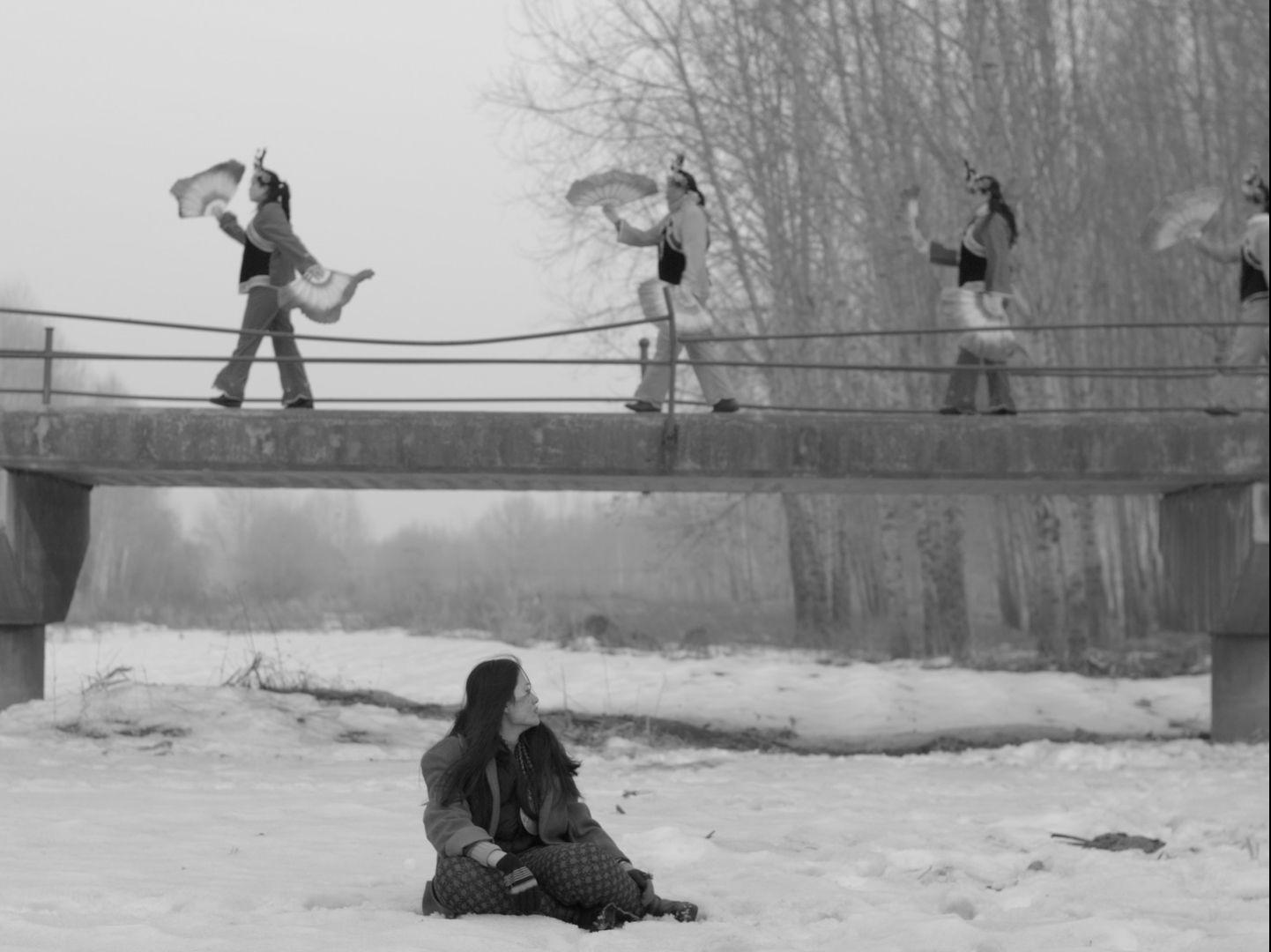 """Twoja wiedźma z sąsiedztwa – recenzja filmu """"Lustra i pióra"""" – Nowe Horyzonty 2018"""