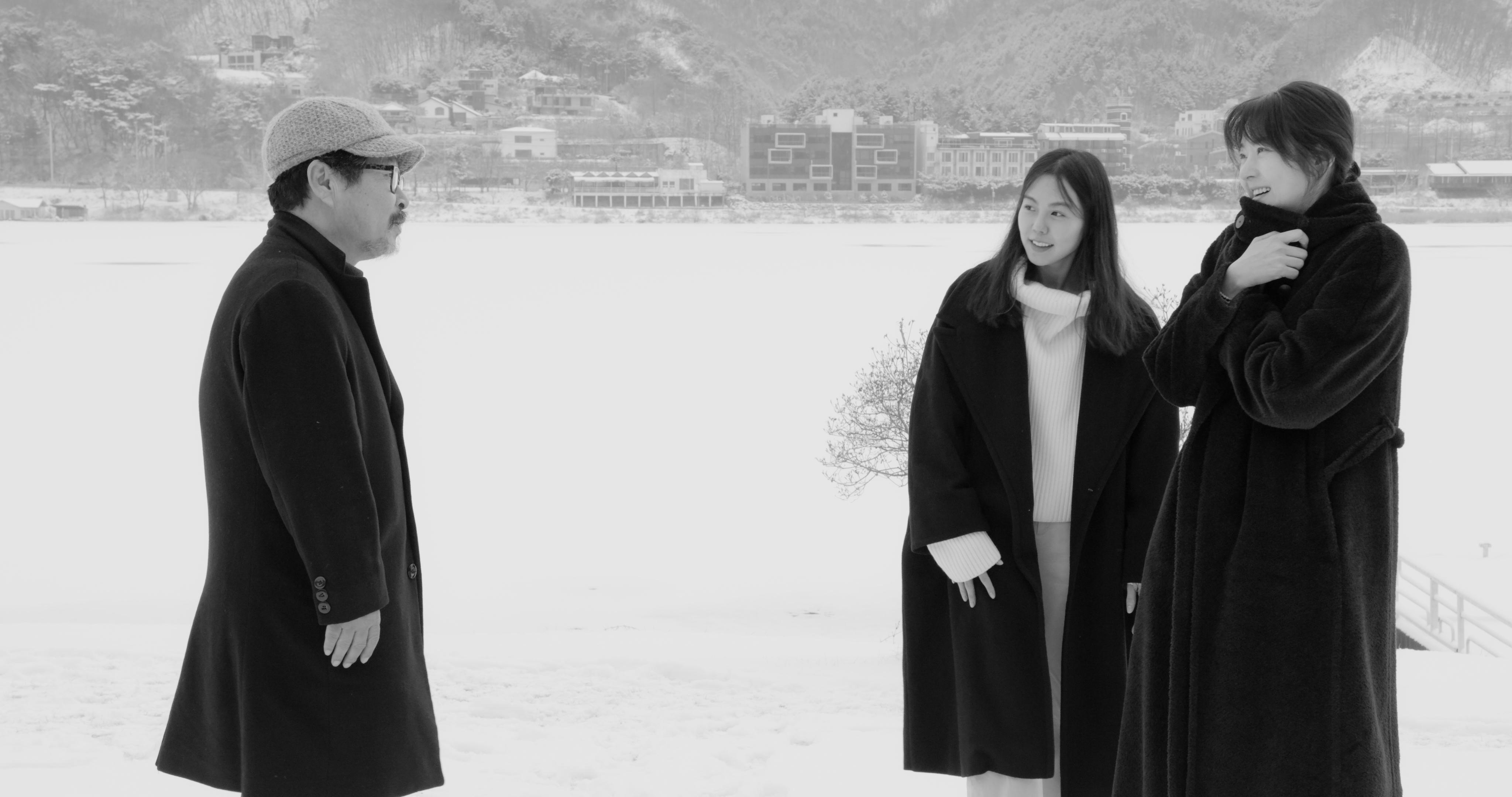 """Hotel radości, hotel samotności – recenzja filmu """"Hotel nad rzeką"""" – Pięć Smaków"""