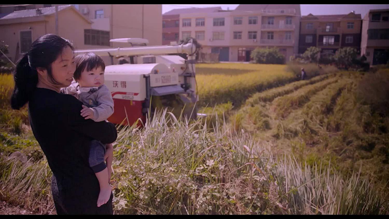 """Piękne dzieci pięknie umierają – recenzja filmu """"Polityka jednego dziecka"""" – WFF"""