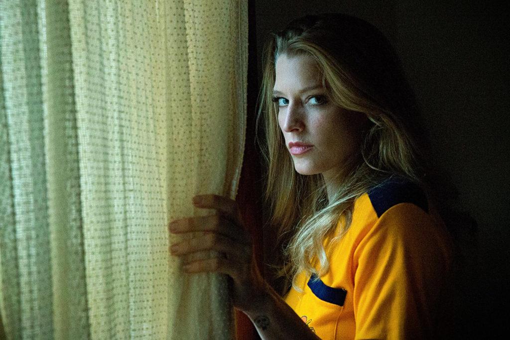 """Sny w domu wiedźmy – recenzja filmu """"Dziewczyna z trzeciego piętra"""" – Fest Makabra 2019"""