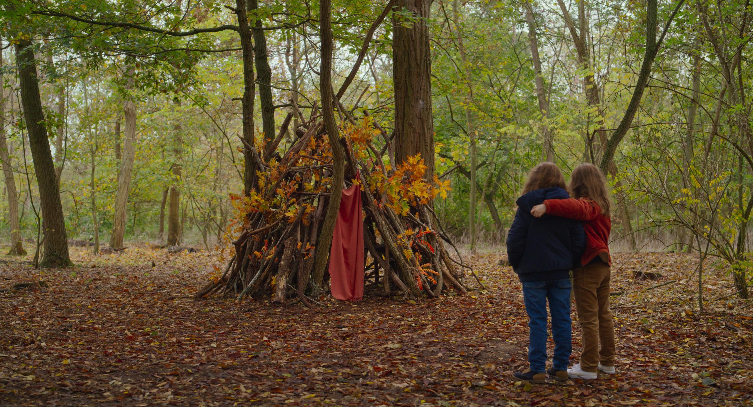 """Jesień – recenzja filmu """"Petite maman"""" – Berlinale 2021"""
