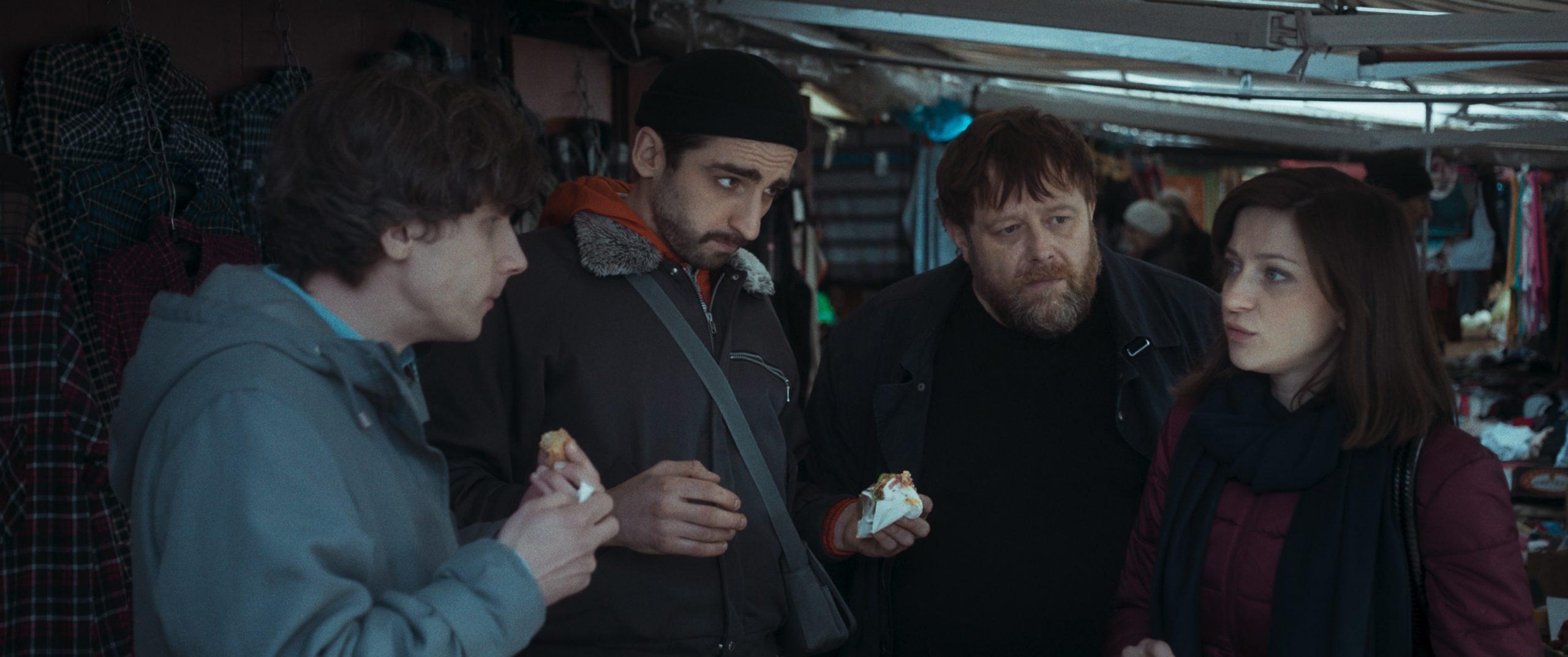 """Jedno o drugim nic nie wie… – recenzja filmu """"Bliscy"""" – Karlowe Wary 2021"""